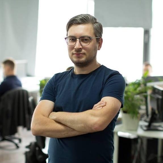 Артем Лесников